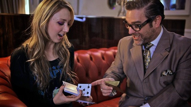 andy nyman showing his card magic trick