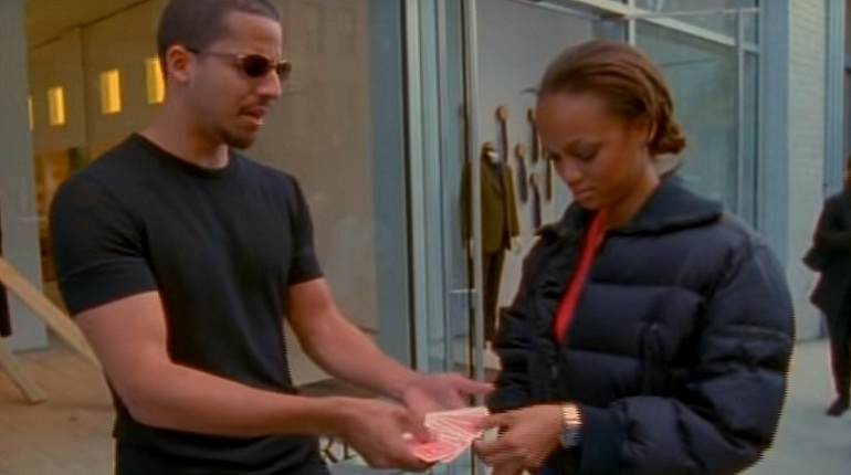 David Blaine doing magic tricks on beautiful tyra banks